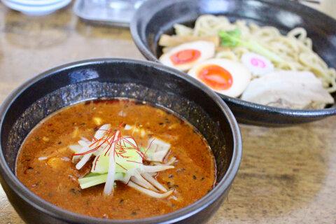 Vol.3 濃厚うま辛魚介系つけ麺「麺処はつがい」